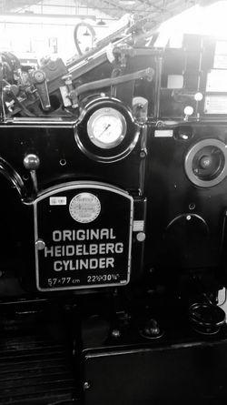 Una super maquina Original Heidelberg Machine Tipography Imprenta History Love Blanckandwhite Blanco Y Negro
