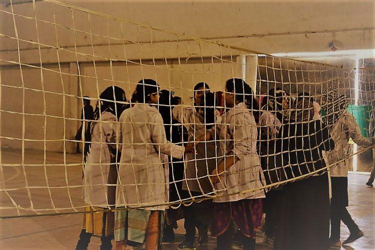 Ball Game Indoors  Net Net Ball People Planning Semi Final Sport Throwbal Match Throwball