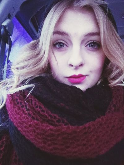 Selfie Taking Photos Hi! Winter ❄❄?