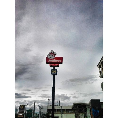 w.a.i.t.i.n.g. Waiting Jollibee Jollibeekid Hungry mouthwatering sky clouds nature cloudy naturelover rainy love life passion igers Philippines Cebu Pinoy filipino igdaily instablishment potd LitratongPinoy pinasshoutout latergram instagramhub follow wanderlust outdoors cravings