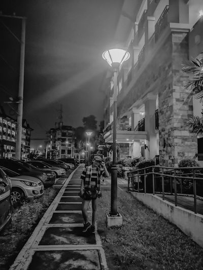 Darkness has its own beauty. HUAWEI Photo Award: After Dark Illuminated City Railroad Track Sky Architecture Building Exterior Built Structure Street Light Lamp Post