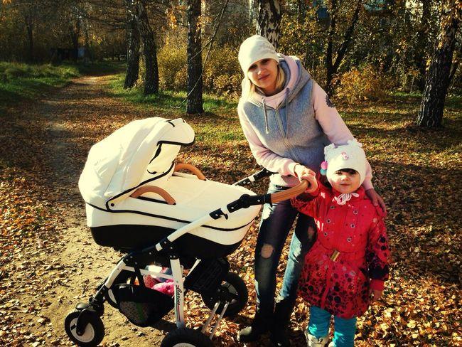Гуляю с дочками