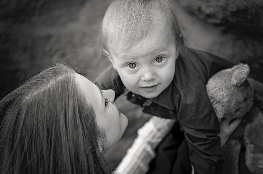Mommas boy. Blackandwhite Photography Nikon Nikon D3200 Nikonphotography Mom Mommy Moma Momandson Family Portrait Family