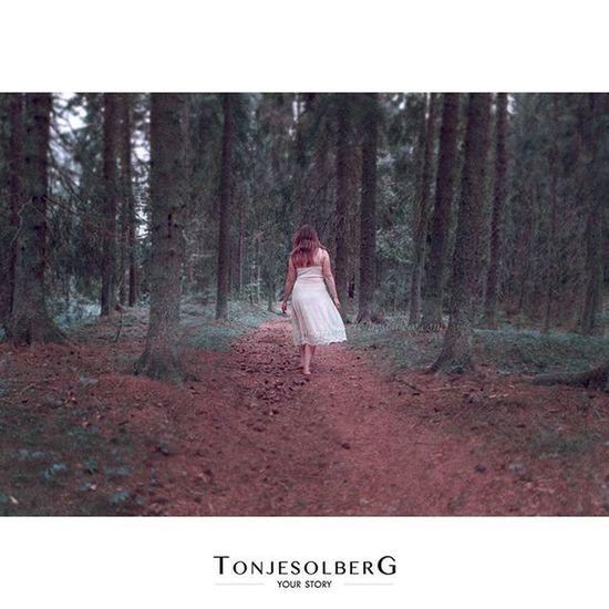 """""""Not all those who wander are lost."""" - J.R.R Tolkien Porträttfotografering Bullerdalen Karlskoga Degerfors Kristinehamn Karlstad Örebro  Lekeberg Kumla Laxå Nora Grythyttan Filipstad Grums"""