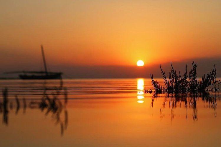 """""""Il y a un moment, où les mots s'usent ... Et le silence commence à raconter..."""" ~Gibran Khalil Gibran~ Sunset"""