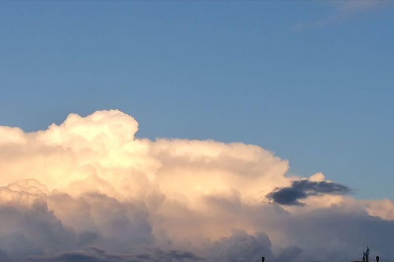 Mountain Tree Blue Beauty Sky Cloud - Sky Close-up