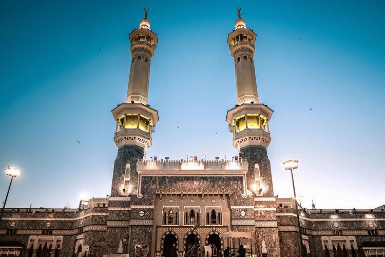 Mecca, Saudi Arabia. - June 5, 2017: The main gate, King Fahd. Easiest access to the mataf plaza to perform tawwaf. Makkah Masjid Al-Haram المسجد الحرام Mecca Holy Islam Saudi