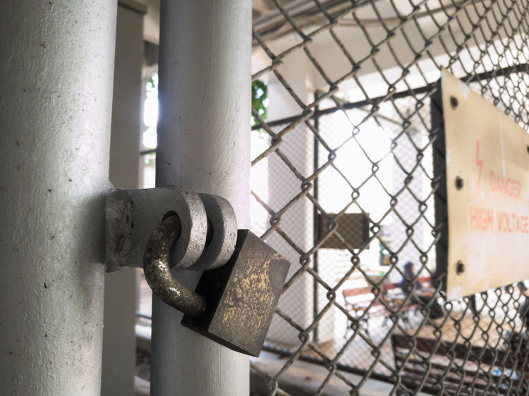 Lock Locks Locked Cage Net Safty Safety Safety First! Power Plant Danger Dangerous Electric Electricity  Key