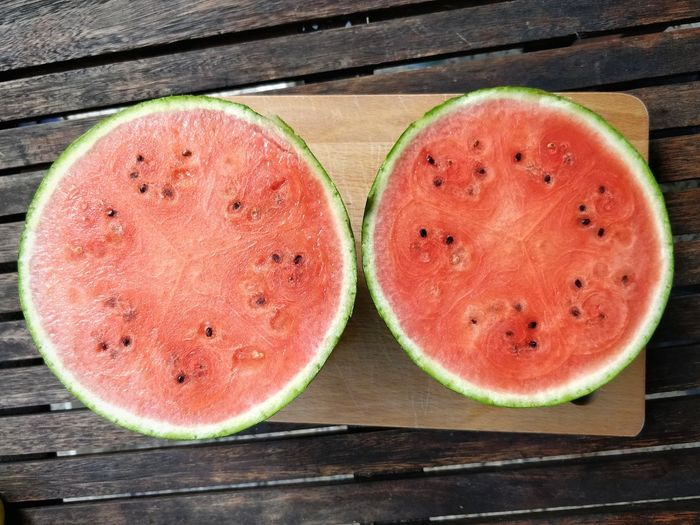 Summer Vacations Fruit Red Wood - Material Table Cross Section SLICE Close-up Food And Drink Watermelon Melon Halved Juicy Served 10