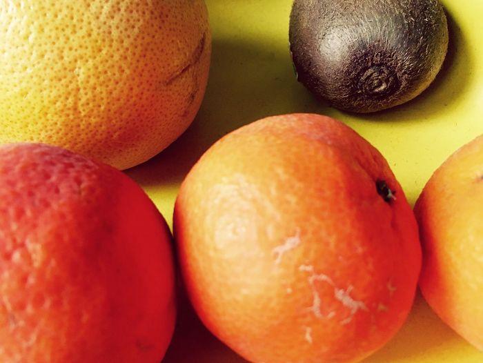 Fruits Citrus Fruit Kiwi Grapefruit Mandarine Healthy Food Still Life IPhone SE