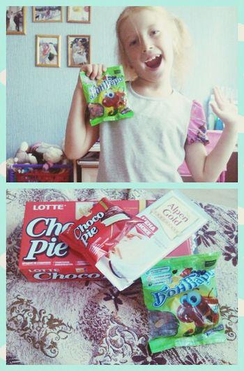 целый день сижу дома ,вот сеструха решила побаловать чоколадычем;D