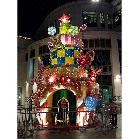 Christmas-Cake tree at Bugis!