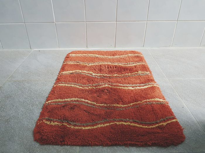 Red Close-up Doormat Tiled Floor Stone Tile Textile Textured  Wall - Building Feature At Home Fabric Flooring Rug Woolen Cloth