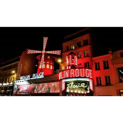 The Famous Moulinrouge Paris Love nightlife