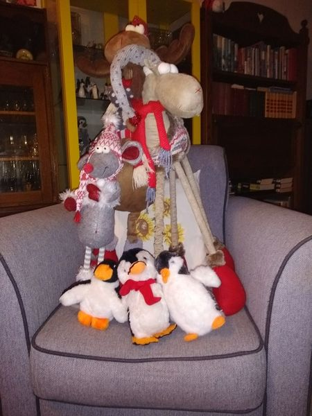 Pinguins  Reindeer Rendier Kerstmis Christmas Celebration Indoors  Christmas Decoration No People christmas tree Tradition