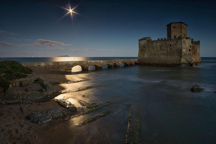 Riflessi lunari Moonlight Nightphotography Landscape Longexposure Italy Torre Astura First Eyeem Photo Samyang 12mm F2 Sony A6000