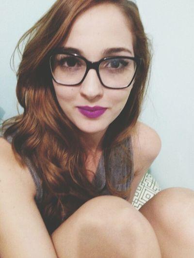 Essa só postei pra mostrar o tanto que esse batom é bonito Make Up Heroine Mac Paula Maia