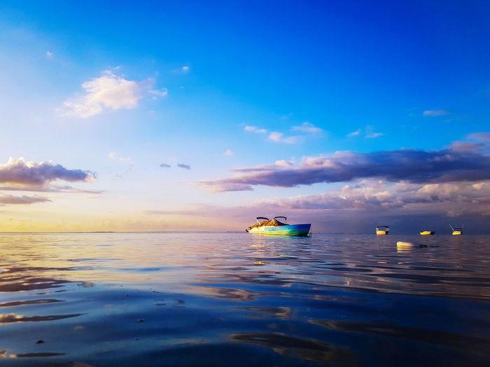 Where the ocean meets the sky Water Sea Sea Life Beach Adventure Seascape Horizon Over Water EyeEmNewHere The Traveler - 2018 EyeEm Awards