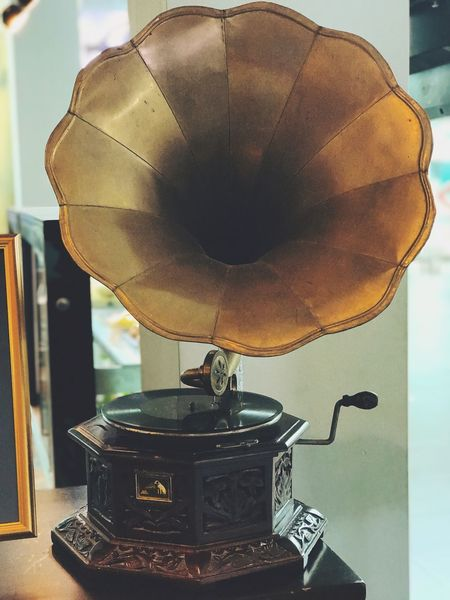 Gramophone Record Antique Old-fashioned Technology Turntable Arts Culture And Entertainment Indoors  Close-up No People Record Player Needle Day