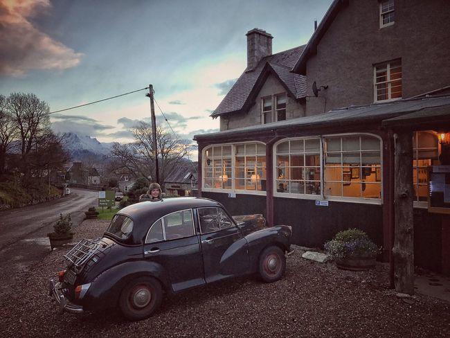 Building Exterior Architecture Morris Minor Classic Car Morris Minor 1000 Vintage Cars Roadtrip Driving Highlands Scotland Scottish Highlands