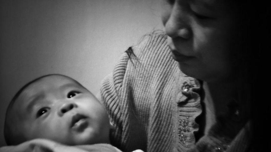 2018/2/17 家族群像 於五股 Family Family❤ Family Time Bw Bw_lover BW_photography B&w Photo B&w Bw Photography B&w Photography Bwphotography Childhood Child Headshot Human Face Care Baby EyeEmNewHere