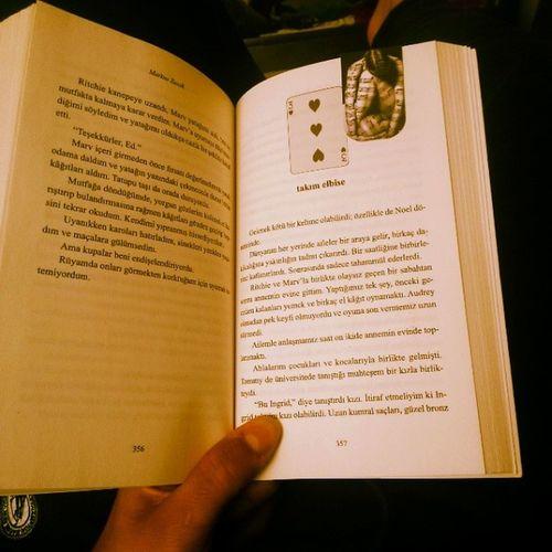 PazarSabahı Kitap okumak. Bitirmek gerek bu kitabı artık. Markuszusak HiçKimseSıradanDeğildir