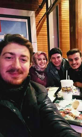 Friends Hanging Out Freezing Cold Ktu Forumtrabzon