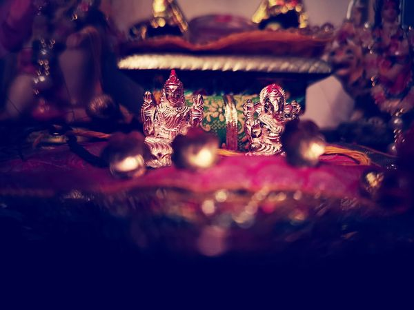 Lakshmi ganesha Lakshmipoojan Lakshmipuja Ganesh Ganesha Ganesha Lord Of Success Photography Photo EyeEm Selects Market Religious  Forsale Sale Onmarket Power Diya God Diya - Oil Lamp Night Power In Nature Christmas Decoration Christmas Close-up Festival Religious Event