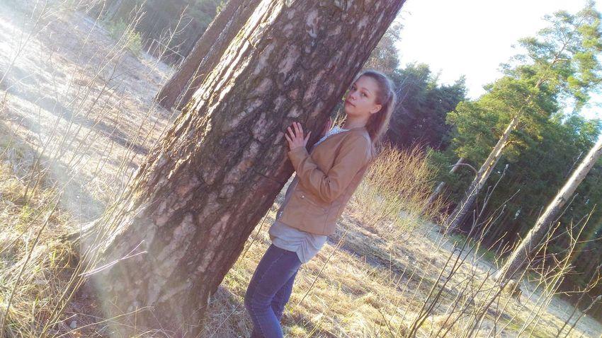 Tree Forest Girl Holiday Лес Sunshine девочка Природа Nature природароссии девушка Me Field Day Grass Sun