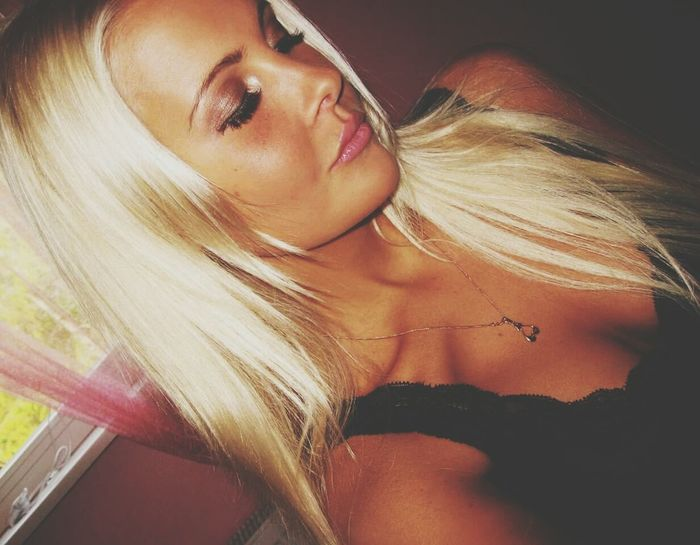 Hottie Babe Long Hair First Eyeem Photo Today's Hot Look Sexygirl Check This Out EyeEm Gallery Blond Hanging Out Awesome Goddess Smile ✌ EyeEm Best Edits EyeEm Best Shots EyeEmBestPics Dress Suntanned
