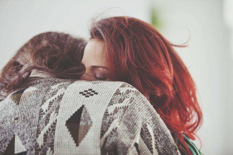 Laurance Anyways Freda Laurance Xavier Dolan Hug Red