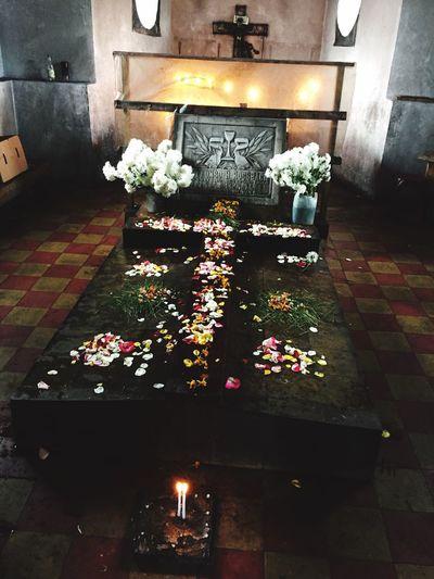 Bishops grave