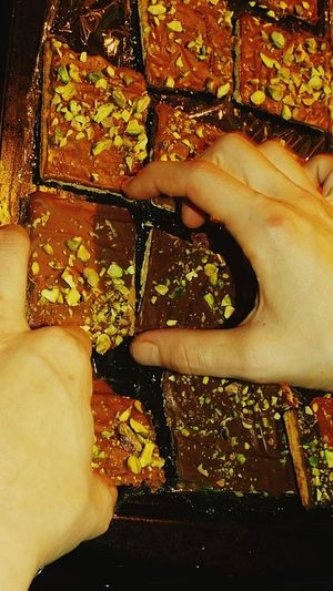 yummy homemade citrus chocolate covered graham crackers sprinkled with pistachios. MmmMmmGood.. Chocolate Covered Graham Crackers Chocolatelover Chocolate Pistachio Grahamcrackers Yummy Treat Showcase: February Handmade For You