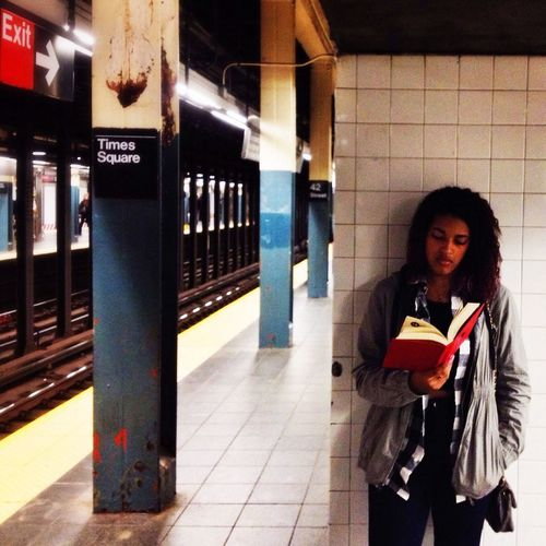 Subway Streetphotography Reading Notes From The Underground
