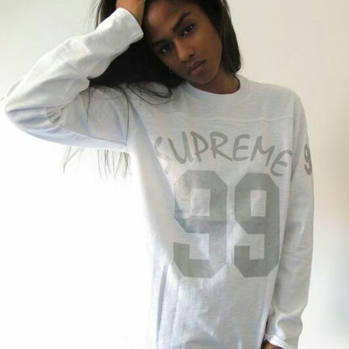 Vashtie Kola Supremenyc Supreme Model Street Fashion Urban Fashion Urbanstyle Aesthetics Gorgeous