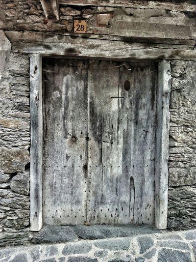 Beget ( La Garrotxa ) LaGarrotxa Doors Puerta