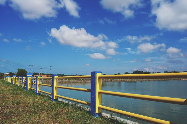 Clouds Lake Lake View Railing Water Blue Multi Colored Sand Sky Horizon Over Water Grass Cloud - Sky Gate