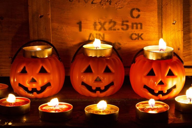 Halloween pumpkin Flame Candle Burning Fire - Natural Phenomenon Illuminated Glowing Heat - Temperature Lighting Equipment Indoors  No People Tea Light Celebration Night Oil Lamp Close-up Diya - Oil Lamp