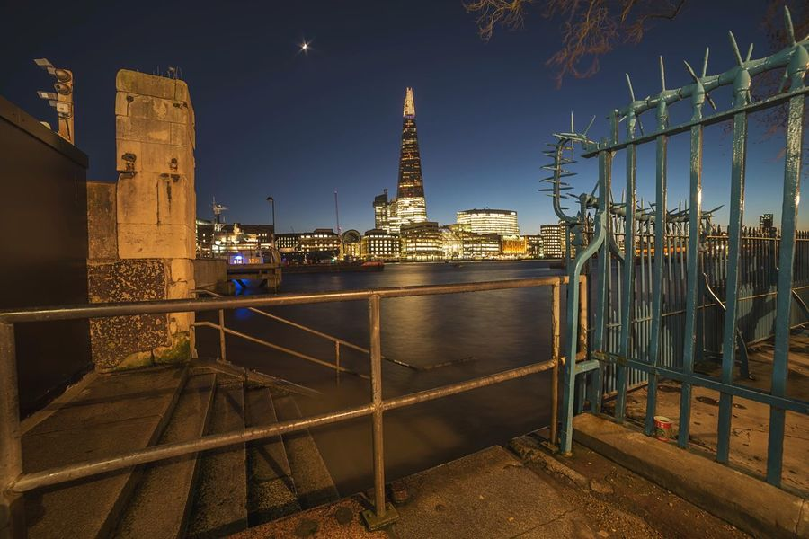 Framed Shard Shard Cityscapes City Night Riverside River Thames Dusk In The City Dusk Long Exposure Landscape Photography City View  Londonlife London Streets River View Thames Thames River Side City Dusk City Lights City Of London City At Night The Architect - 2016 EyeEm Awards Cities At Night The Street Photographer - 2016 EyeEm Awards EyeEm LOST IN London