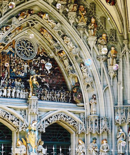 Break The Mold Heavenandhell Soapbubbles at the door of the bernese cathedral is a sculpture of heaven and hell with many figures. I think the soap bubbles give some joy to it Berner_münster Berner Münster Switzerland Church From My Point Of View EyeEm Gallery Tourism Ladyphotographerofthemonth Outdoors Travel Destinations Religion Sculpture No People Ornate Bern, Switzerland