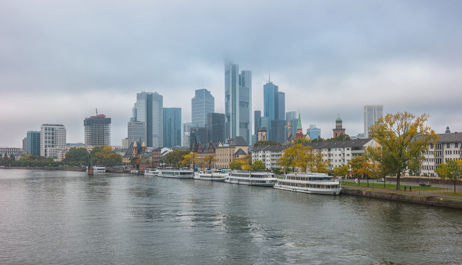 Skyline of frankfurt at a foggy autumn day Autumn Frankfurt Frankfurt Am Main Sky And Clouds Architecture Building Exterior Built Structure City Cityscape Cloud - Sky Downtown District Fog Foogy Haze Main Modern No People Outdoors River Sky Skyporn Skyscraper Urban Skyline Water Waterfront