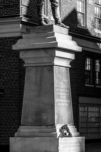 400 Alexandria Appomattox Arlington  Bronze Civil Confederate Old Rebel Route Sculpture Seriously Shame Soldiers South Statue Town Union Unnecessary Useless Veteran Virginia War Washington Washington, D. C.