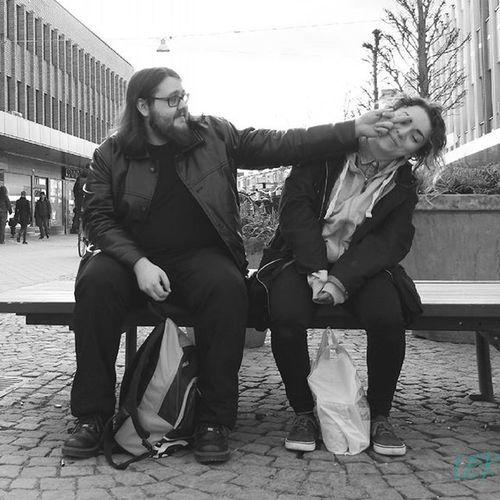 Love you! Bestfriends Funny Fyou Love Bw Bwphotography Blackandwhite Nofilter Växjö  Växjö  People Streetphotography Streetphoto_bw Street Photography