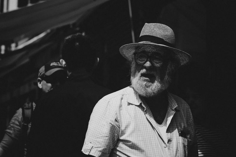 Shadows & Lights Shadow Black & White Black And White Blackandwhite Streetphoto_bw Street Photography Streetphotography Venice, Italy Venezia Real People One Person Lifestyles Front View Hat Leisure Activity Portrait The Street Photographer - 2018 EyeEm Awards The Art Of Street Photography
