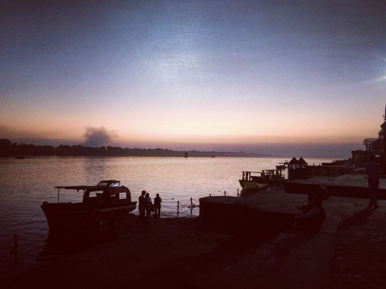 Neighborhood Map captured at Maheshwar, MP, India. Maheshwar Sunset Sky Reflection Water Outdoors Nature People Beauty In Nature Evening Narmada Narmadariver Ahilyaghat Ghat EyeEmNewHere The Great Outdoors - 2017 EyeEm Awards