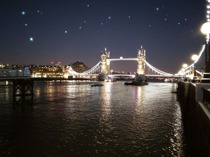 Night Out London's Tower Bridge *-* Partying