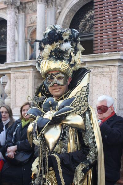 People Festival Colors Mask Italia Gold Venezia Feathers Dress Masks Golden Royal Venice, Italy Eleganza Piazzasanmarco Carnevale Di Venezia Fantasy Fantasy Photography Blackvelvet