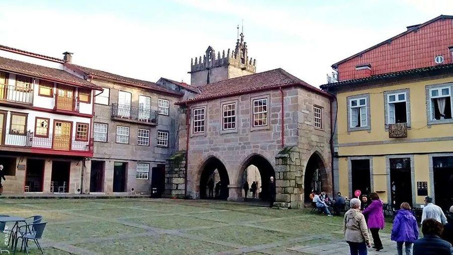 Praça de Santiago, Centro Histórico de Guimarães...!