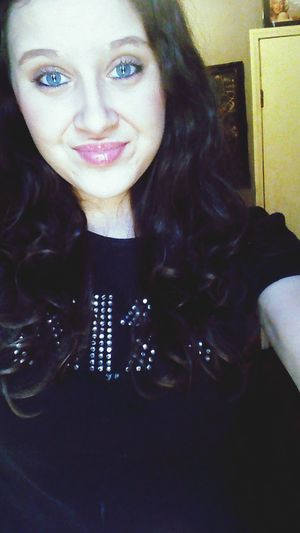 Kiss Shirt Selfie BlueEyes Make Up Curly Hair Smile