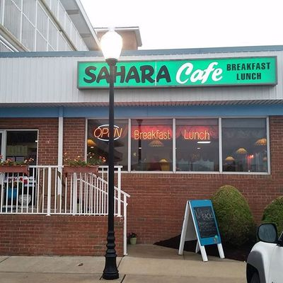 At the Sahara Cafe for the Annual Opening Day Pancake Toss..... Oceancitycool OceanCity Maryland Ocmd Breakfast pancakes